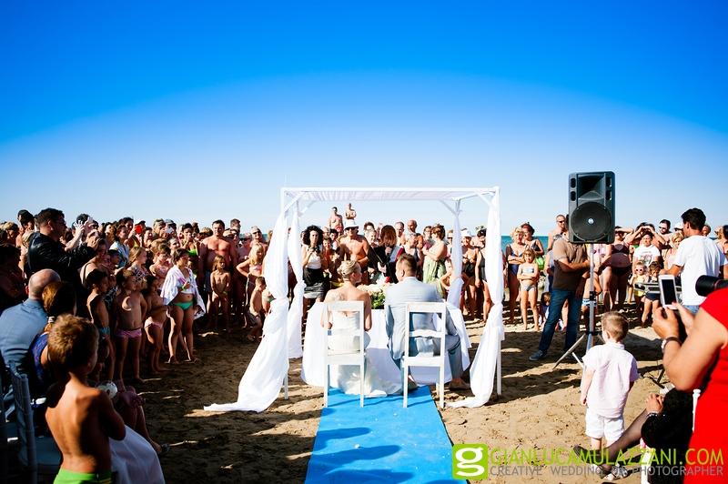 Matrimonio In Spiaggia Rimini : Fotografo matrimonio sulla spiagga moi ristorante gianluca